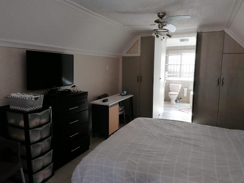 Property For Sale in Escombe, Queensburgh 14