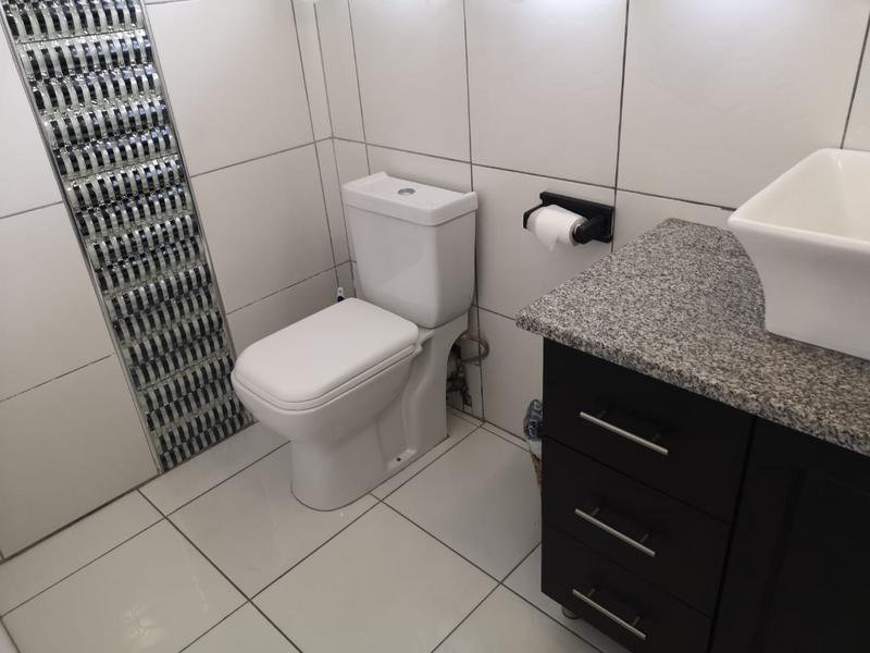 Property For Sale in Escombe, Queensburgh 17