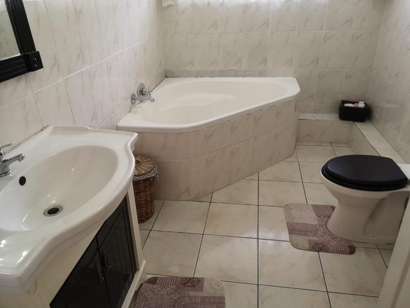 Property For Sale in Escombe, Queensburgh 18