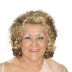 Caroline De Beer, estate agent