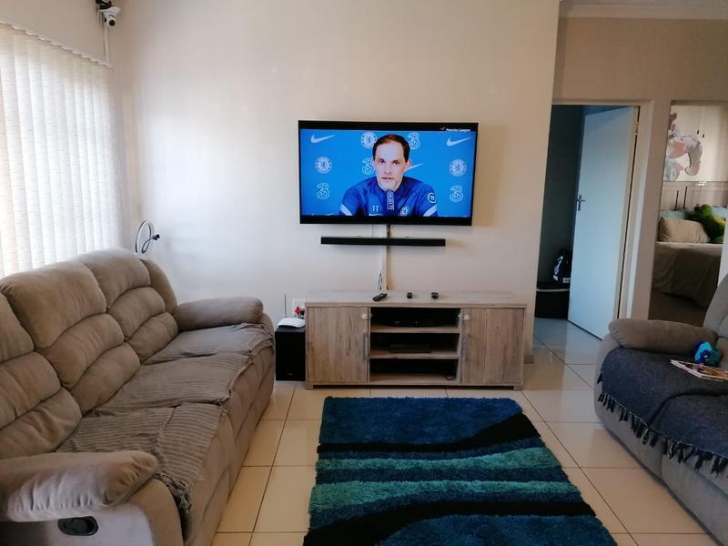 Duplex For Sale in Escombe, Queensburgh