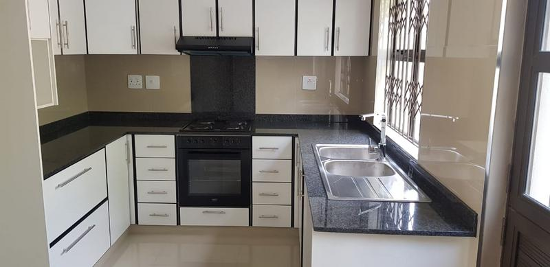 Duplex For Sale in Malvern, Queensburgh
