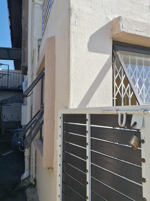 House For Rent in Kharwastan, Chatsworth