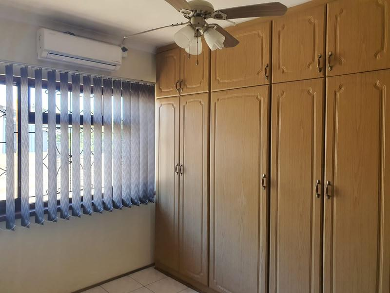 House For Sale in Burlington Heights, Chatsworth